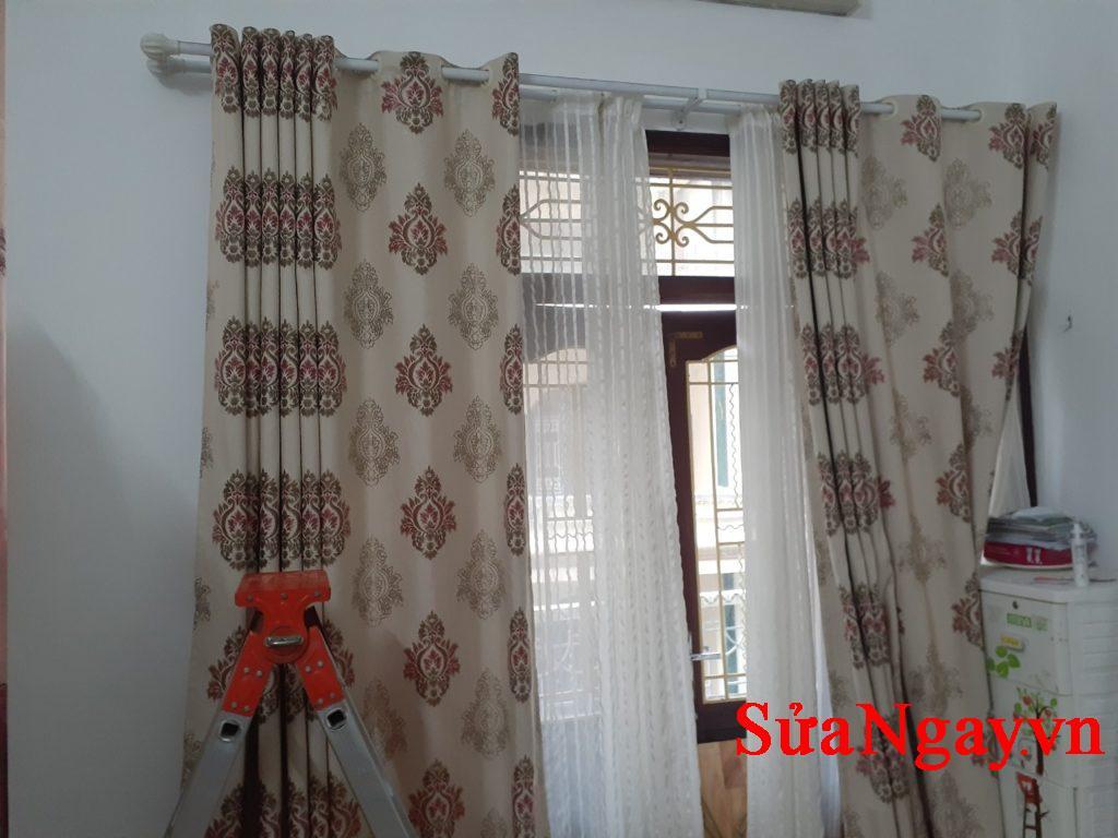 sửa chữa và treo lắp rèm theo yêu cầu. Chúng tôi nhận tư vấn lắp đặt và sửa chữa rèm cửa tại hà nội